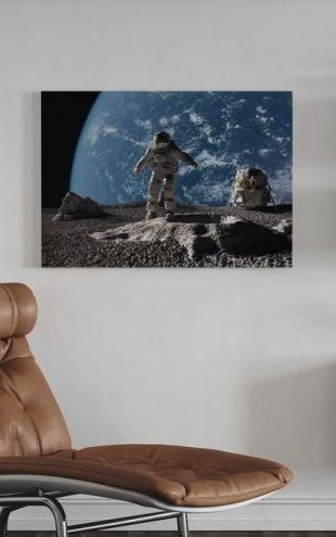 【Canvas Print】PHOTOWALL / Astronaut with Earth in Background (e20366)