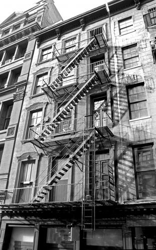 PHOTOWALL / New York City - Fire Escape (e22141)