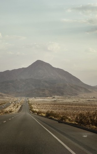 PHOTOWALL / Road in American Landscape (e22371)