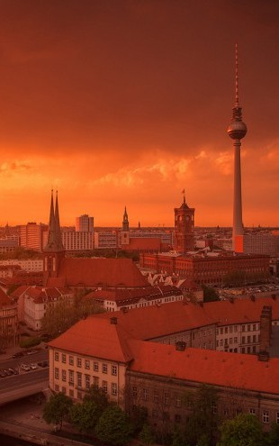 PHOTOWALL / Berlin Skyline City Panorama with Sunset (e22805)