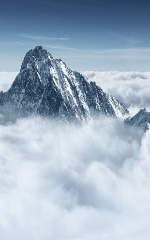 PHOTOWALL / Alpine Mountain in the Clouds (e23162)