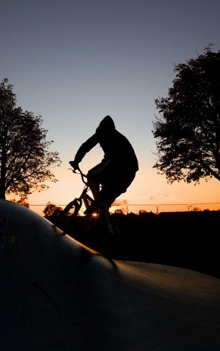 PHOTOWALL / BMX Biking at Sunset (e23206)