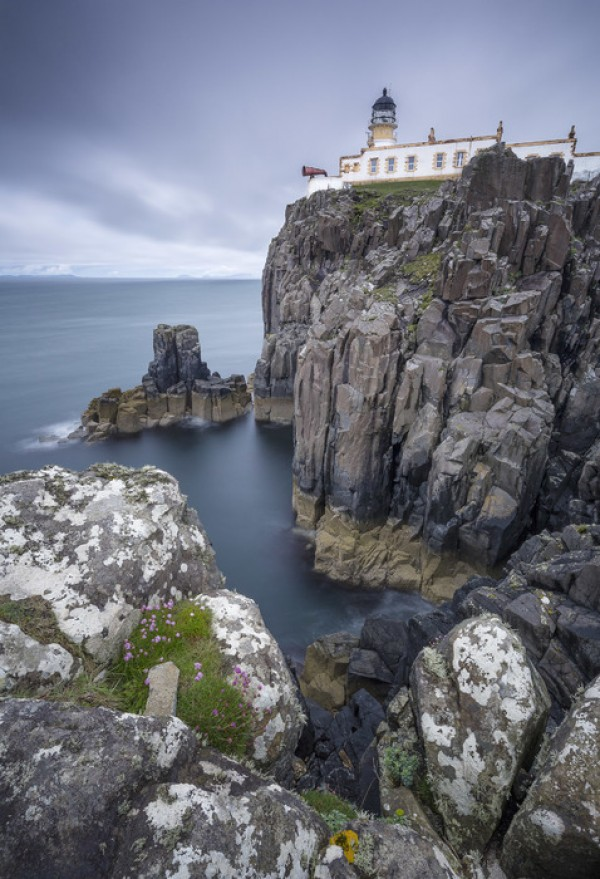 PHOTOWALL / Lighthouse at Neist Point, Isle of Skye - Scotland (e23680)