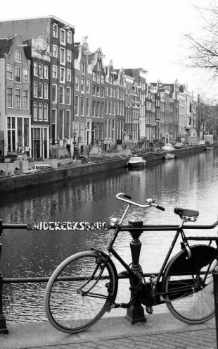 PHOTOWALL / Bicycle by the Canal (e23968)