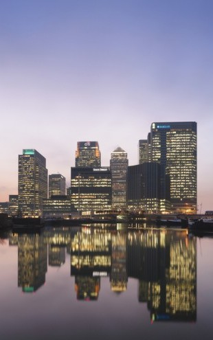 PHOTOWALL / Canary Wharf at Dusk (e24063)