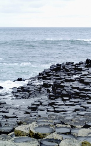 PHOTOWALL / Giants Causeway in Antrim (e25018)