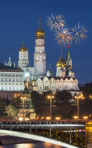 PHOTOWALL / Fireworks over Kremlin (e40341)
