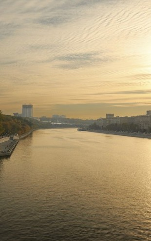 PHOTOWALL / Sunset over Moscow River (e40379)