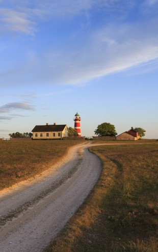 PHOTOWALL / Countryroad to Lighthouse, Gotland (e40444)