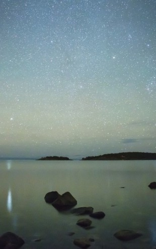 PHOTOWALL / Starry Sky over juniskar, Sweden (e40464)