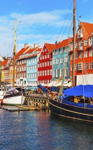 PHOTOWALL / Summer View of Nyhavn Pier (e40684)