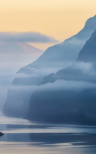 PHOTOWALL / Norwegian Fjord in Fog (e30676)