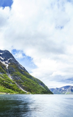 PHOTOWALL / View of Hardangerfjord, Norway (e30679)