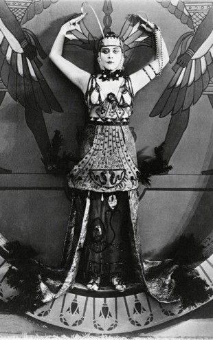 PHOTOWALL / Theda Bara in Cleopatra (e314723)
